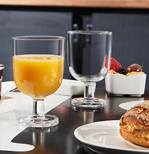 Buffet petit déjeuner verre à pied empilable Resto Arcoroc