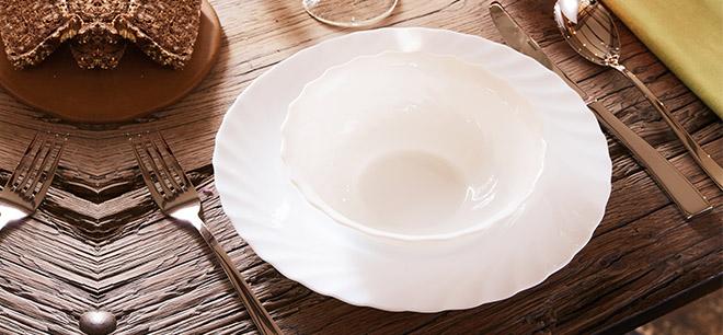 Assiette trianon Arcoroc